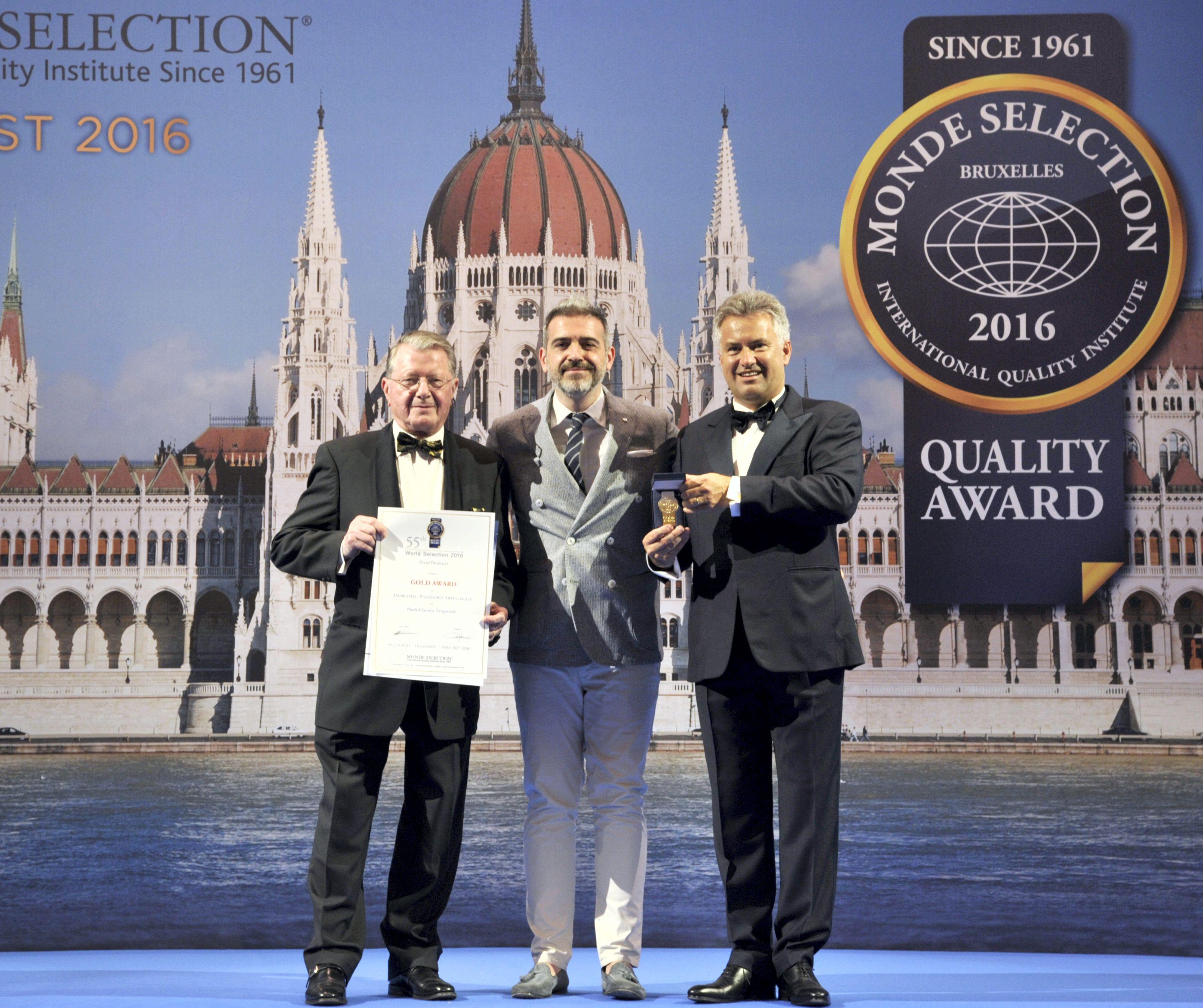 simone-massenza-mondeselection-premiazione2016